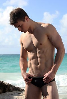 Follow Hunk'o'pedia for more hot guys!   Follow my personal blog!