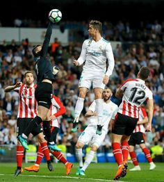PsBattle: Cristiano Ronaldo outjumping a goalkeeper Cristiano Ronaldo Torse Nu, Cristiano Ronaldo Shirtless, Cristiano Ronaldo Goals, Ronaldo Cr7, Ronaldo Football, Football Memes, Cristiano Ronaldo Hd Wallpapers, Cr7 Wallpapers, Messi Neymar