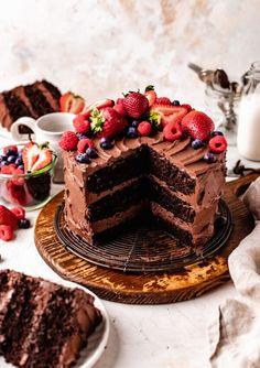 Best Vegan Chocolate Cake Recipe (Gluten Free) Healthy Chocolate Desserts, Vegan Chocolate Cupcakes, Best Vegan Chocolate, Gluten Free Chocolate Cake, Best Chocolate Cake, Decadent Chocolate, Vegan Dessert Recipes, Vegan Cake, Vegan Sweets