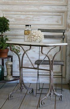 Love this table & chair