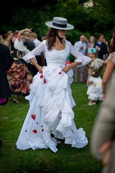 Miranda Brooks. Alice-in-Weddingland.com