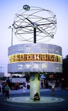 foto - photo : weltzeit uhr berlin alexanderplatz