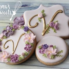 I'm a sucker for pastels and flowers. I absolutely love these floral cookies by Mary of - Vintage floral cookies 🌸💐💐 . Elegant Cookies, Fancy Cookies, Vintage Cookies, Iced Cookies, Cupcake Cookies, Purple Cookies, Sugar Cookies, Cookie Icing, Royal Icing Cookies