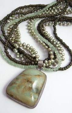 Love the beads with pearls-it makes a nice but plain pendant special.