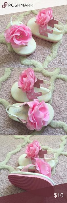 🌟NEW ITEM ADDED! Cute baby sandals with flower 🌟NEW ITEM ADDED! Shoes