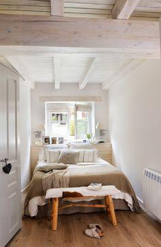 00417824b. Dormitorio pequeño nórdico y alpino en blanco_00417824b