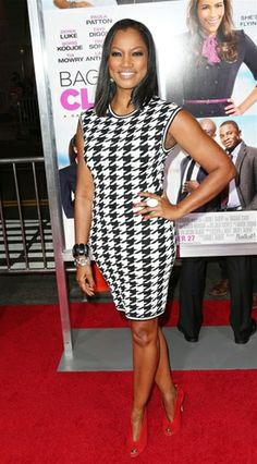 Garcelle Beauvais is drop dead gorgeous in the Torn by Ronny Kobo Erin Houndstooth dress. Prints are sizzling this season, and what better way to show them off than with a hot little bodycon dress?  The best part? This red carpet worthy little number is on sale!  #GarcelleBeauvais #TornbyRonnyKobo #Prints  http://i.like.it/tornhoundsth