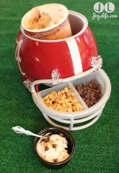 Don't Miss a Minute of the Big Game with These Super Bowl Party Ideas for Great Football Food #shop #cbias http://joyslife.com/super-bowl-football-party-food-ideas/