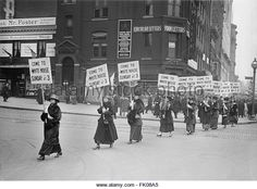 Suffragettes Marching with Signs, Washington DC, USA, circa 1917.jpg - Stock