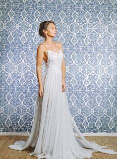 Stunning wedding dress! Hollie ‹ Grace Loves Lace Grace Loves Lace