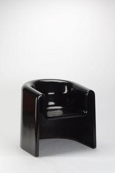 Rodolfo Bonetto; Lacquered Fiberglass 'Melaina' Chair for Driade, 1970.
