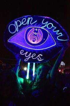 Abre los ojhos