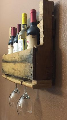 Excited to share the latest addition to my shop: Pallet Wine Rack - Rustic Wine Rack- Handmade Wine Storage Rack-Wooden Wine Rack Wood Corner Shelves, Rustic Bookshelf, Diy Walk In Closet, Wine Rack Storage, Rustic Wine Racks, Pallet Wine, Italian Wine, Diy Garage, Woodworking Projects