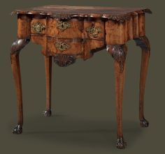 A DUTCH WALNUT LOWBOY.  MID-18TH CENTURY