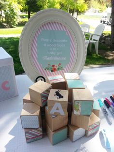 Baby Shower Brunch in mint, coral and gold | CatchMyParty.com