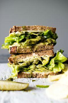 Groene vegetarische sandwich. Zeven blogrecepten | ELLE Eten