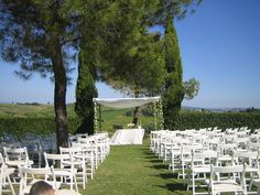 Ceremony set up in the Chianti shire http://blancricevimenti.it