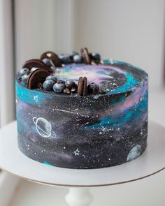 Beautiful Cakes, Amazing Cakes, Solar System Cake, Galaxy Desserts, Sugar Dough, Galaxy Cake, Baby Birthday Cakes, Rainbow Food, Savoury Baking