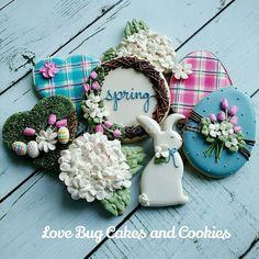 beautiful wreath cookie
