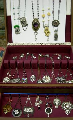 Silverware box - Great display for shows.  Just open it up and ready to go.  Vintagearts.