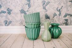 Porcelain Of China Code: 2125794655 Porcelain Ceramics, China Porcelain, Teak Furniture, Mid Century Modern Design, Vintage Pottery, Flower Pots, Interior And Exterior, Decorative Bowls, Retro Vintage