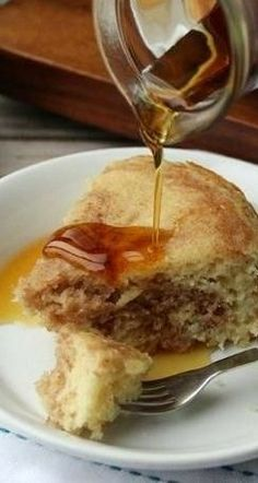 .Slow-Cooker Cinnamon Roll Pancake~ Cinnamon Roll Pancakes, Cinnamon Rolls, Slow Cooker Breakfast, Breakfast Recipes, Bisquick Recipes Biscuits, Crockpot Recipes, Cooking Recipes, Slow Cooking, Sweet Buns