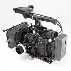 The TiLTA RIG For CANON C300/C500 is the answer to the question every C300/C500 user has been asking: What is the perfect setup for my camera. This superbly des