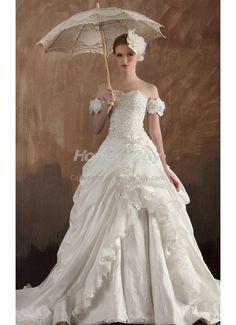 2013 Elegant Sweetheart Chapel Train Organza Taffeta Wedding Dress