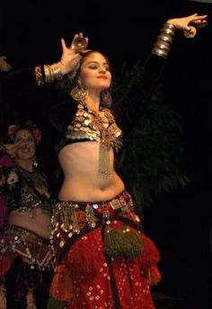 An essay about the history of belly dance by Tracy Rhaj