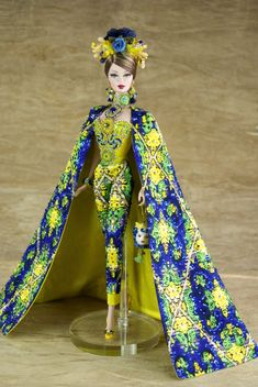 Summer catwalk in Sicily Barbie Gowns, Barbie Clothes, Barbie Outfits, Beautiful Barbie Dolls, Vintage Barbie Dolls, Mardi Gras Costumes, Barbie Collection, Summer Collection, Barbie Friends