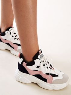 To find out about the Lace-up Front Chunky Sole Trainers at SHEIN, part of our latest Sneakers ready to shop online today! Sneakers Mode, Girls Sneakers, Girls Shoes, Sneakers Fashion, Fashion Shoes, Dr Shoes, Hype Shoes, Sock Shoes, Shoes Sandals