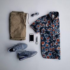 Summer's nearly over - squeeze in that last warm weather outfit. Fall tones make it transitional. Boho Fashion Over 40, Autumn Fashion, Spring Fashion, Trendy Outfits, Fashion Outfits, Fashion Clothes, Fashion Tips, Look Man, Mein Style