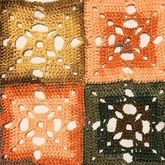 About Me Blog, Crafty, Quilts, Blanket, Comforters, Blankets, Quilt Sets, Carpet, Log Cabin Quilts