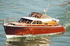Graupner Jules Verne 2097 Model Boat Kit | Hobbies