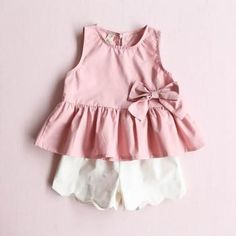 2-piece Bowknot Decor Ruffled Sleeveless Top and Shorts for Girls