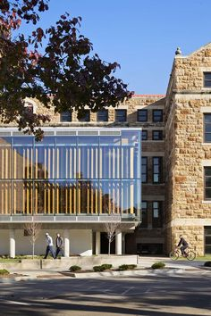 The Forum,  Architecture department of University of Kansas / designed and built by students / Architect: Studio804