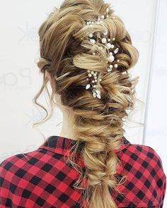 Uwielbiam!  Jestem pewna że ta fryzura będzie rządzić w sezonie ślubnym 2018!   #hairbyme #weddinghair #weddinglook #wedding #bride #longhair #blonde #beautiful #cute #boho #hairideas #hairphotos #instahair #hairpic #inspiration #hairart #lovehair #ilovemyjob