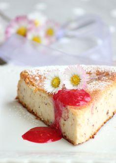 Torta ricotta e pinoli  http://www.dolcesalsarosa.com/2013/03/torta-di-ricotta-e-pinoli_23.html