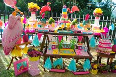 Looking for exciting party ideas? Kara's Party Ideas presents a colorful Flamingo Garden Party with summer-fun vibes. Luau Theme Party, Hawaiian Luau Party, Tropical Party, Party Fun, Pink Flamingo Party, Flamingo Birthday, Flamingo Garden, Rainbow Dash Party, 10th Birthday Parties