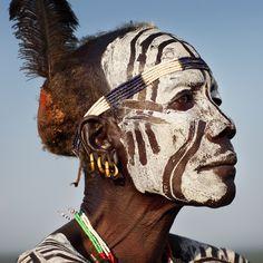 Африканская роспись на лице