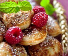 Per una colazione in vero stile Usa, non possono mancare sulla vostra tavola i mini pancakes, soffici e molto golosi.