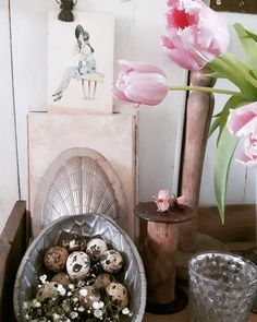 Started to collect lovely old treasures for the upcoming Vintage fair - Brocante Paasfair Dronten 28 march... #tulips #old #vintage #chocolate #egg #mould #french #cartepostale #quaileggs #brocante #vintage #brocantefair #dronten #amarabrocante #antique_r_us #vintagelaceandroses by amarabrocante