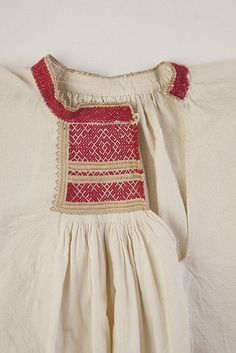 FolkCostume&Embroidery: Rekko costumes of the Karelian Isthmus and Ingria, former regions of Finland and today national dresses of Finnish Karelian counties Art Costume, Folk Costume, Costumes, Blackwork Embroidery, Ethnic Patterns, Russian Fashion, Clothing Patterns, Folk Clothing, Dance Dresses