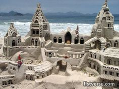 With summer in full swing and beach weather officially here, sand castle season is officially upon us. But before you head to the beach to get started, y. Snow Sculptures, Sculpture Art, Ice Art, Snow Art, Grain Of Sand, Sand And Water, Beach Art, Amazing Art, Rio De Janeiro