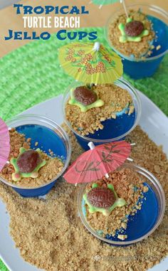 Tropical turtles bask on a sandy graham cracker beach in these adorable and fun blue raspberry Jello cups. Cute Food, Good Food, Yummy Food, Jello Cups, Luau Birthday, Turtle Birthday Parties, Turtle Beach, Turtle Party, Luau Party