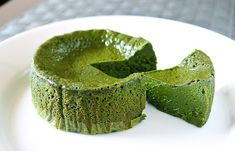 「日本人でよかった!」と挙って口にしてしまう抹茶スイーツ【お取り寄せ可】 Green Tea Dessert, Matcha Dessert, Matcha Cake, Green Tea Ice Cream, Green Tea Recipes, Matcha Green Tea Powder, Matcha Smoothie, Japanese Sweets, Food Cravings