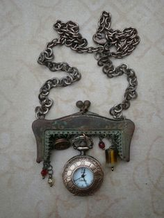 love the old purse clasp!