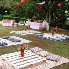 Picnic themed party - ✰ c e l e b r a t e ✰ - Picnic Party Decorations, Picnic Themed Parties, Sleepover Birthday Parties, Picnic Birthday, Outdoor Parties, Decoration Table, Birthday Party Themes, Bbq Party, Farm Party