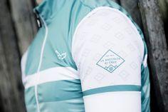 Volera brengt passie voor fietsen en design samen in een kledingmerk met 'fresh' en unieke kleding. Strela :: stylish cycling