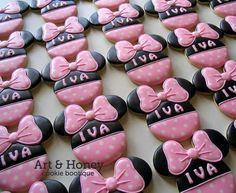Minnie Mouse birthday cookies by Art & Honey.......